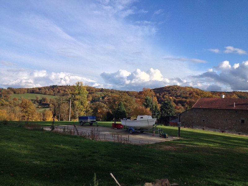 Aire camping-car à Saint-Silvain-Bellegarde (23190) - Photo 3